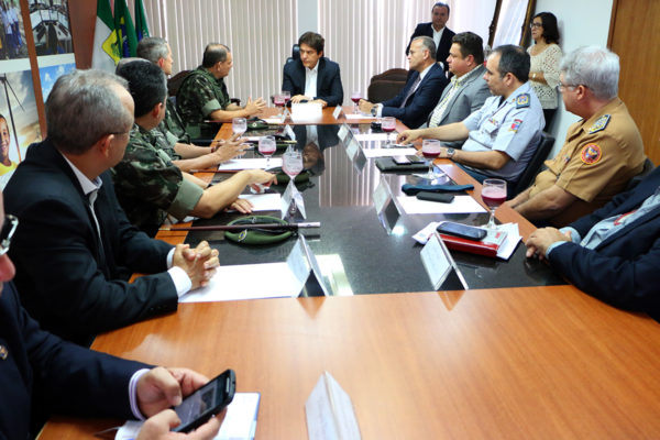 22.08 Governador recebe militares do Exército - Foto Rayane Mainara (4)